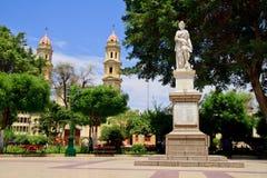Plaza del quadrato principale in Piura, Perù Fotografie Stock