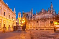 Plaza del Triunfo en de Kathedraal van Sevilla, Spanje royalty-vrije stock afbeeldingen