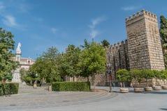 Plaza del Triunfo Sevilla Spain blå himmel royaltyfria foton