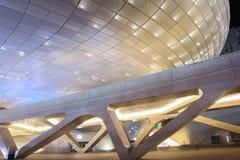 Plaza do projeto de Dongdaemun em Seoul, Coreia do Sul fotos de stock royalty free