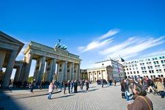 Plaza för Brandenburg port, Berlin arkivbilder