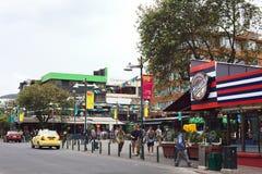 Plaza Foch i Mariscal turist- område för La i Quito, Ecuador Royaltyfria Bilder