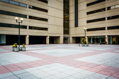 Plaza and modern office building in downtown Baltimore, Maryland Stock Photography