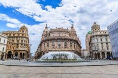 Plaza principal de Piazza De Ferrari en Génova Imagen de archivo