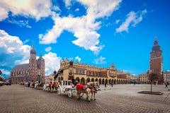 Plaza principal en la ciudad vieja de Kraków Foto de archivo libre de regalías
