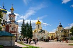 Plaza principal en St Sergius Lavra de la trinidad santa Fotos de archivo libres de regalías