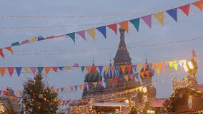 Plaza Roja adornada para la celebración del Año Nuevo y de la Navidad metrajes