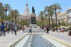 Plaza San Juan de Dios och stadshuset i Cadiz, Spanien royaltyfri foto