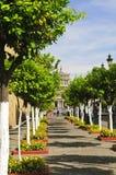 Plaza Tapatia que lleva a las cabañas de Hospicio Imágenes de archivo libres de regalías