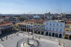 Plaza Vieja και Calle Mercaderes στην Αβάνα, Κούβα Στοκ Φωτογραφία