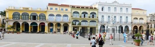 Plaza Vieja με τα πολλά πρόσφατα αποκατεστημένα αποικιακά κτήριά του Στοκ εικόνα με δικαίωμα ελεύθερης χρήσης