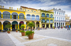 Plaza Vieja, gammal havannacigarr, Kuba Royaltyfria Foton