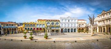 Plaza Vieja - havannacigarr, Kuba royaltyfri fotografi