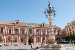 Plaza Virgen de los Reyes i Seville, Spanien royaltyfri fotografi