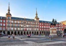 PlazaborgmästareMain fyrkant på solnedgången, Madrid, Spanien royaltyfri bild