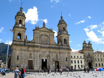 Plazaen Bolivar för huvudsaklig fyrkant av huvudstaden Bogot för Colombia ` s royaltyfri fotografi