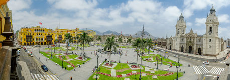 Plazaen de armas i Lima, Peru 180 beskådar Arkivbilder