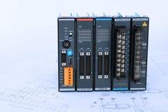 PLC και διάγραμμα διαδικασίας στον μπλε τόνο Στοκ Φωτογραφίες