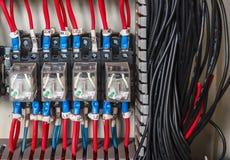 PLC del cableado imagenes de archivo