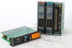 PLC sur le diagramme à régulation de processus industriel photos libres de droits