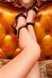 Plciowe kobiet nogi w butach z szpilkami fotografia royalty free
