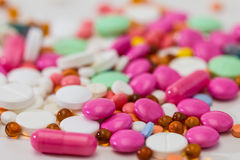 Píldoras de la prescripción y medicación farmacéutica Fotografía de archivo libre de regalías