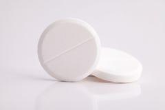Píldoras del calmante del paracetamol contra dolor de cabeza Imágenes de archivo libres de regalías