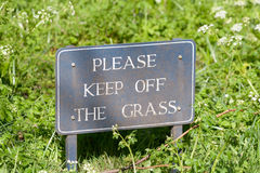 Please Keep off the Grass sign Royalty Free Stock Photos