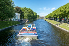 Pleasure boat in old center of Sankt Petersburg Royalty Free Stock Photography