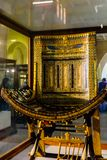 Plechtige Stoel van Tutankhamun in Museum van Egyptische die Antiquiteiten algemeen als Egyptisch Museum worden bekend of Museum  stock afbeelding