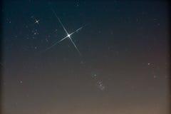 Pleiades (M45) en Jupiter en Stier Royalty-vrije Stock Afbeeldingen