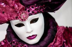 Plein costume décoratif dans le carnaval de Venise Photographie stock