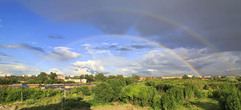Plein double arc-en-ciel Image libre de droits