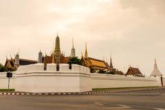 Plein nom officiel Wat Phra Si Rattana Satsadaram de Wat Phra Kaew Photographie stock