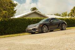 Plein tir Porsche Cayman Scène urbaine photo stock