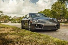 Plein tir Porsche Cayman Scène urbaine photo libre de droits
