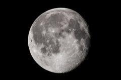 Pleine lune sur le fond noir de ciel Photographie stock