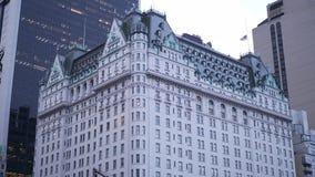 Pleinhotel in New York stock footage