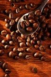 Pleins grains de café rôtis frais Photos libres de droits