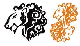 Plemienna lew głowa z wężem Obrazy Stock