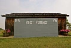 Plenerowa łazienka dla Ma i Pa Fotografia Stock