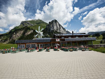 Plenerowa restauracja w Szwajcarskich Alps fotografia stock