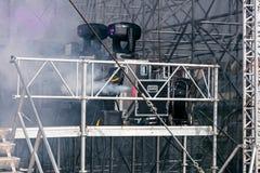 Plenerowa scena podczas koncerta z fachowym wyposażeniem Obrazy Royalty Free