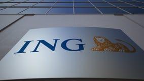 Plenerowa signage deska z ING grupy logem zbudować nowoczesnego urzędu Redakcyjny 3D rendering Zdjęcie Stock