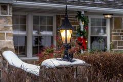 Plenerowe Bożenarodzeniowe dekoracje i lampion Obraz Royalty Free