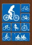 Plenerowej aktywności ikony ustawiać: kobieta na bicyklu, kolarstwo, rodzina na spacerze, stary bicykl Ikony w błękitnym kolorze  Zdjęcie Royalty Free
