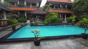 Plenerowy basen w hotelu zbiory