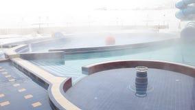 Plenerowy basen z termiczną wodą zbiory