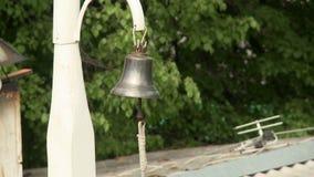 Plenerowy dzwon na pogodnym letniego dnia wideo zdjęcie wideo
