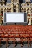 Plenerowy kino przed urząd miasta w Wiedeń Fotografia Royalty Free